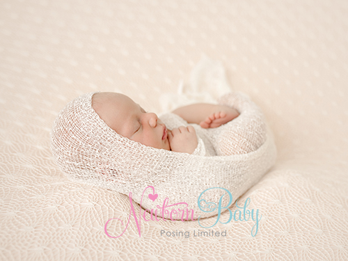Newborn Baby Posing Wrapping[1]