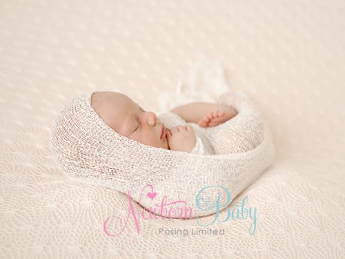 Newborn Baby Posing Wrapping[1]